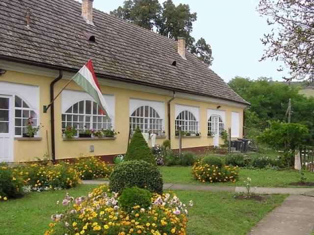 Majthényi Vendégház (Majthenyi Guest-house)