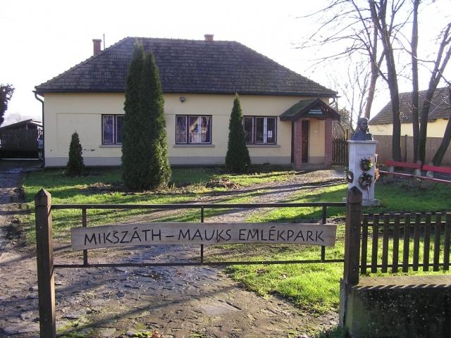 Mauks Ilona Memorial Exhibition